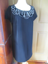14W S.L. Fashions zipper-tape rose filigree neck black knee-length sheath dress