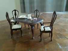 Concord Victorian Dining room table + 2 chairs + 2 armchairs