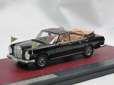 Matrix MX41302-061 1967 Mercedes-Benz 300 SEL Landaulette Papamobil Vatikan 1:43