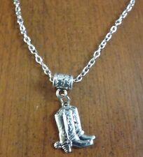 collier chaine argenté 46 cm avec pendentif bottes western 20x17 mm