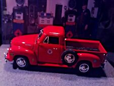 """1:18 Scale Diecast """"Custom""""TEXACO, Red, 1953 Chevy 3100 Pickup Service Truck"""