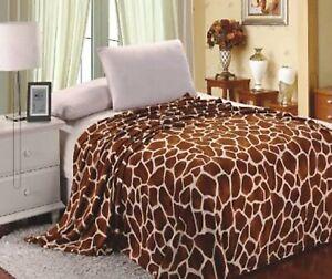 Giraffe Animal Print Flannel Throw Plush Cozy Super Soft Fleece Blanket Queen