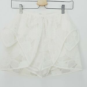 ALICE McCALL   Womens White Floral Shorts [ Size AU 4 ]