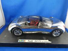 REVELL AUDI AVUS QUATTRO 1994  neuve sur son socle ( voiture de presentation)