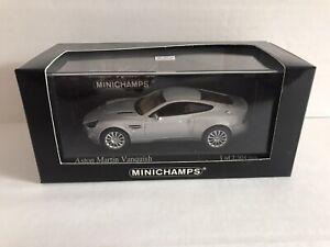 2002 Aston Martin Vanquish Minichamps 1:43 Brand NEW Silver 137224 (James Bond)