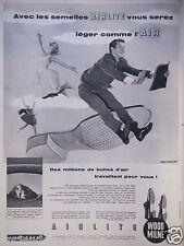 PUBLICITÉ 1959 AVEC LES SEMELLES AIRLITE WOOD MILNE LÉGER COMME L'AIR - AD