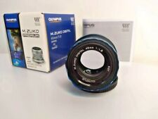 Olympus M.Zuiko Digital 45mm f/1.8 ED Lens (Black) V311030BU000