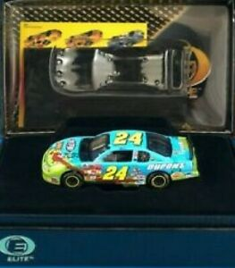 JEFF GORDON 2002 LOONEY TUNES REMATCH / DUPONT 1/64 RCCA ELITE DIECAST 1/4,008