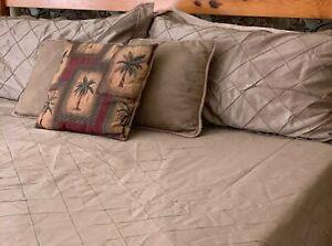 3 Piece King / California King Duvet Cover & Two Pillow Shams Brown/taupe EUC!