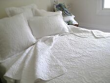 3 pc. white embroidered quilt, bedspread, duvet, coverlet in King Queen & Double