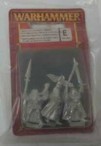 Warhammer WH 92-48 Wood Elf Spearmen Command V2 Miniatures OOP Blister