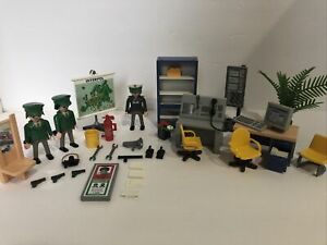 Playmobil 3954 Police Central Interpol Station  European City Near Complete