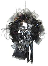Deluxe Halloween Wreath featuring Skeleton Duo Party Decoration