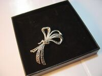BEAUTIFUL VINTAGE SOLID SILVER- SPARKLY MARCASITE FLORAL BROOCH-SUPERB QUALITY