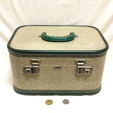 Vintage Dionite Luggage Levis Quebec Hard Travel Makeup Train Case Chrome Clasps