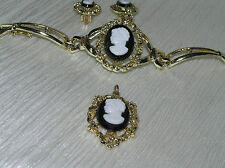Vintage PARURE Light Goldtone with Black & White Plastic Cameo Medallion Link
