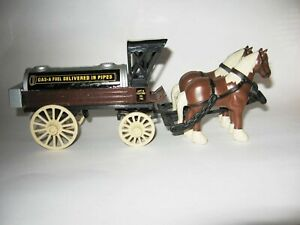 "VTG ERTL Gas-A-Fuel Horse Drawn Wagon Die Cast Bank 9"" Long Key Open"