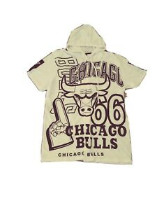 New Chicago Bulls Mens Shirt With Hoody Size Large White Black