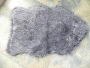 Faux Fur Sheepskin Rug   GREY CHARCOAL DUNELM    60 x 90 cm    UNUSED CLEAN GOOD
