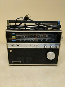 Vintage WORKING Realistic ASTRONAUT-6 Band AM/FM Portable Solid State Radio 12-2