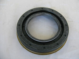 ELRING DIFFERENTIAL PINION SEAL FOR MERCEDES (#024 997 99 47 64)