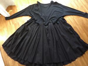 Rundholz Dip Oversize Kleid lang schwarz