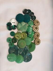 Lot Of vintage plastic GREEN BUTTONS  BUTTON UNIQUE Ornate different materials