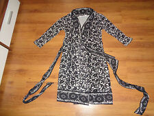 DIANE VON FURSTENBERG SILK JERSEY BLACK AND WHITE FLORAL WRAP TIED DRESS-S,8-UK