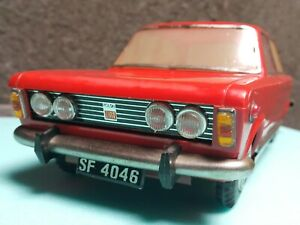 VINTAGE FIAT 125p TOY SF 40-46 POLSKI FSO FSM LARGE PLASTIC FRICTION POLAND 1st