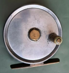 """A VINTAGE UNUSUAL 3"""" TROUT FLY REEL IN GOOD WORKING ORDER WITH LINE GUARD"""