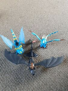 HOW TO TRAIN YOUR DRAGON FIGURE TOOTHLESS AND STORMFLY BUNDLE
