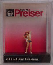 Preiser 28089 Doing Her Hair 00/H0 Model Railway
