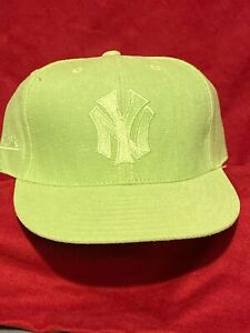 New York Yankees Mitchell Ness Green Hat Size 7 1/2 New