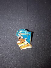 Pin's EURO DISNEY 12 avril 1992 le journal de Mickey fantasia pins