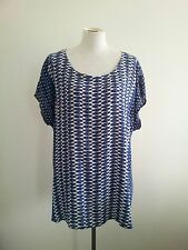 Effortless Style! Maggie T size 1 navy & white tunic top in excellent condition
