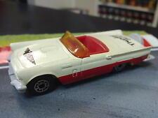 Matchbox Ford Thunderbird 1957 1:63 wit / rood