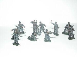 WWII GERMAN PANZER GRENADIERS X 10 PAINTED - GOOD STANDARD - 57081 - 1/72 SCALE