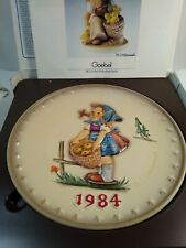 Vintage M.J. Hummel Bas Relief Annual Collector Plate 1984 Goebel In Box