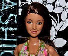 2015 BARBIE FASHIONISTAS TERESA BARBIE DOLL CFG14