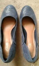 A pair of NEW ladies CLARKS ARTISAN blue leather heeled shoes size 6D