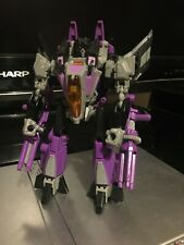 Transformers Generations Thrilling 30 Fall of Cybertron Deluxe Class Skywarp