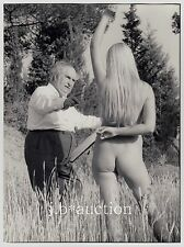 "ARTIST & NUDE MODEL / MALER & AKT MODELL * ""L"" Vintage 60s Outdoors Photo #3"