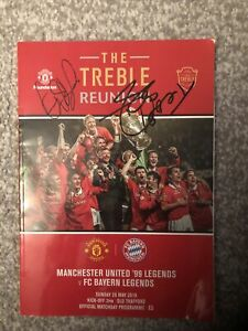 manchester united signed memorabilia By David Beckham , Peter Schmiechel , Etc.