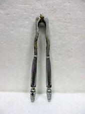 Ancien casse noix / noisettes en métal