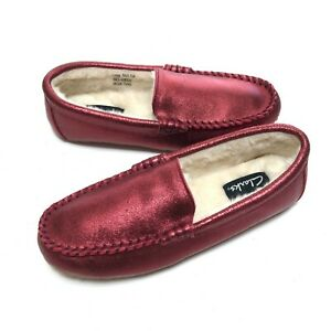 Clarks Womens Red Metallic Round Toe Faux Fur Moccasin Slipper Size US 7 M