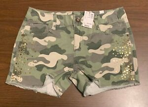 Girls teens green camouflage overall shorts Girls Teens Size 20  Justice military camo stretch rolled hem jean overall shorts