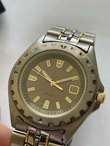 Vintage Seiko Solar 180 Titanium SQ100 mens watch with date, ref.# 5K25-0A50