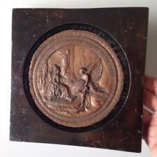 """Ancienne Grosse Médaille Métal Scéne """"Marie Antoinette Reine de France 1774"""""""