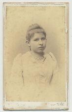 CDV  Foto Speyer / Junges Mädchen im hübschen Kleid  (K561)