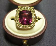 FABULOUS ESTATE 9CT K ROSE GOLD CUSHION CUT RHODOLITE GARNET & PERIDOT RING